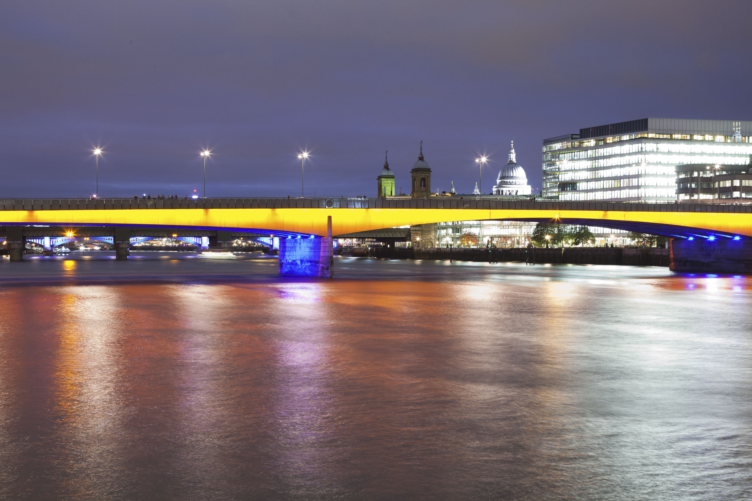 london_london_bridge_thames_night.jpg